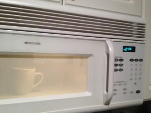 microwaving mug cake