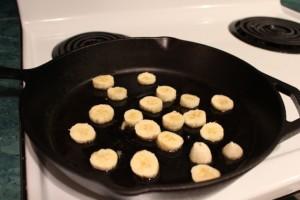 frying bananas